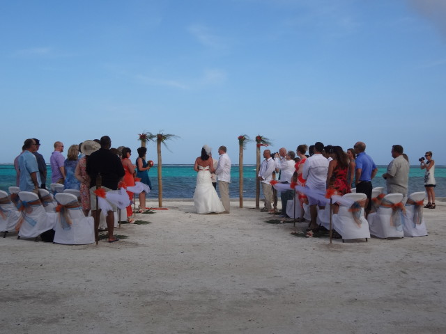 Beach wedding in belzie with Belize wedding planner romantictravelbelize.com