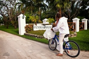 Weddings in Belize organized by wedding planner romantictravelbelize.com