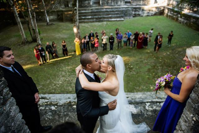 Produced by: Romantic Travel Belize Photo: Leonardo Melendez, Ceremony: I Do Belize Weddings