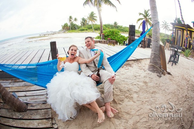 Belize beach wedding on Ambergris Caye by wedding photographer Olivera Rusu and planner romantictravelbelize.com