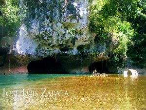 Private cave tours in Belize with travel agent romantictravelbelize.com
